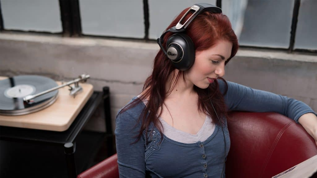 Blue Sadie Over-Ear Headphones Review 3
