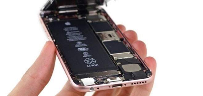 Apple reduces battery replacement fee following slowdown controversy