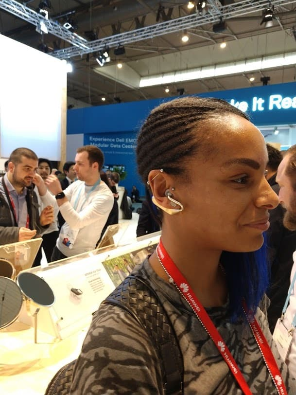Sony Xperia Ear Duo Hands On Review #MWC2018 5