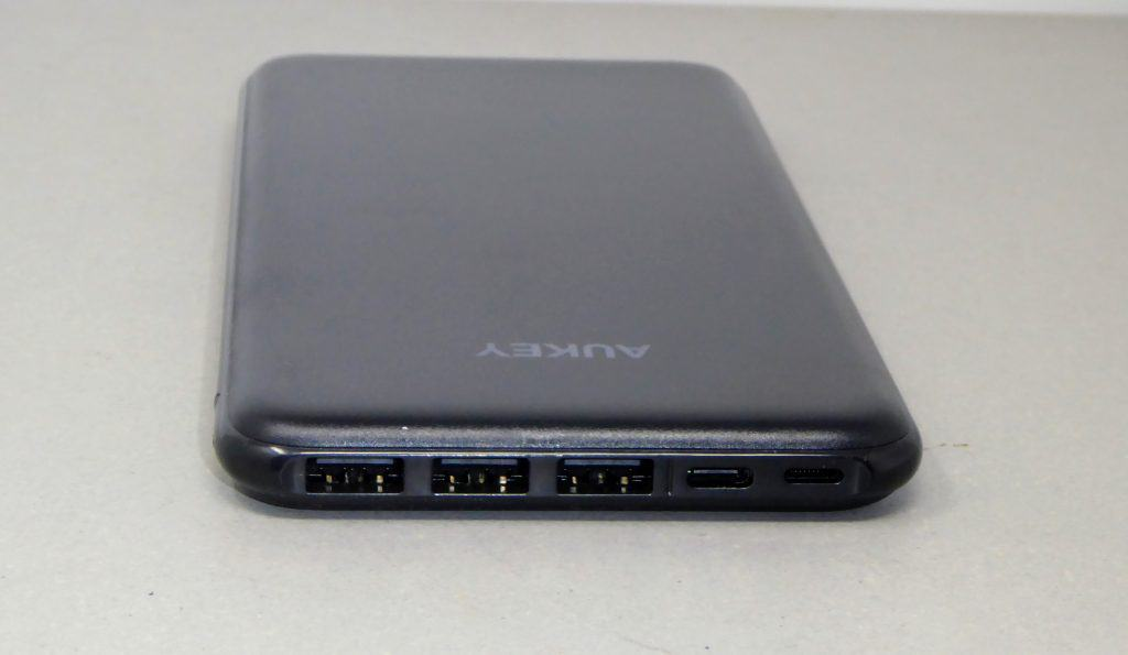 AUKEY USB-C & Lightning 20000mAh Power Bank Review 4