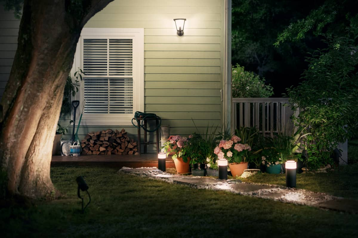 Philips Hue Outdoor Lights Announced for Summer 2