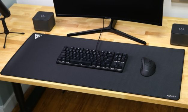 Mini Review: Aukey Ergonomic Wireless Mouse and Extra-Large Mouse Matt