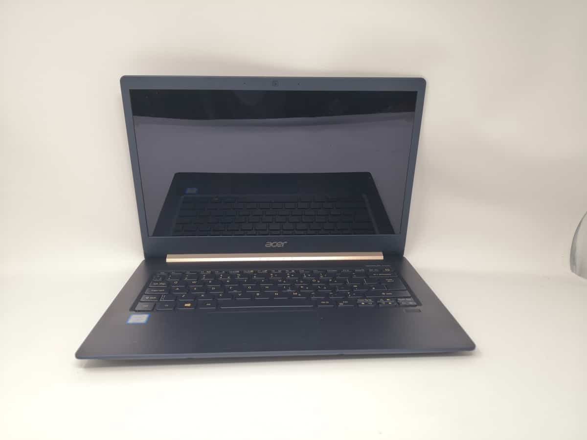 Acer Swift 5 Review (2018) - A 970g laptop ideal for commuters - SF514-52T 4