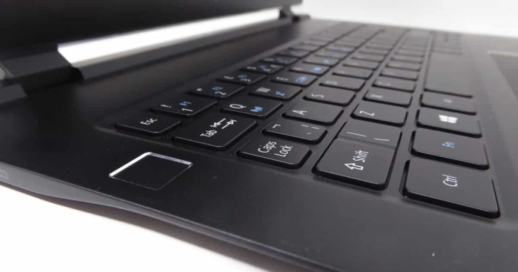 Acer Swift 7 (2018) Review: The worlds thinnest laptop : SF714-51T 8