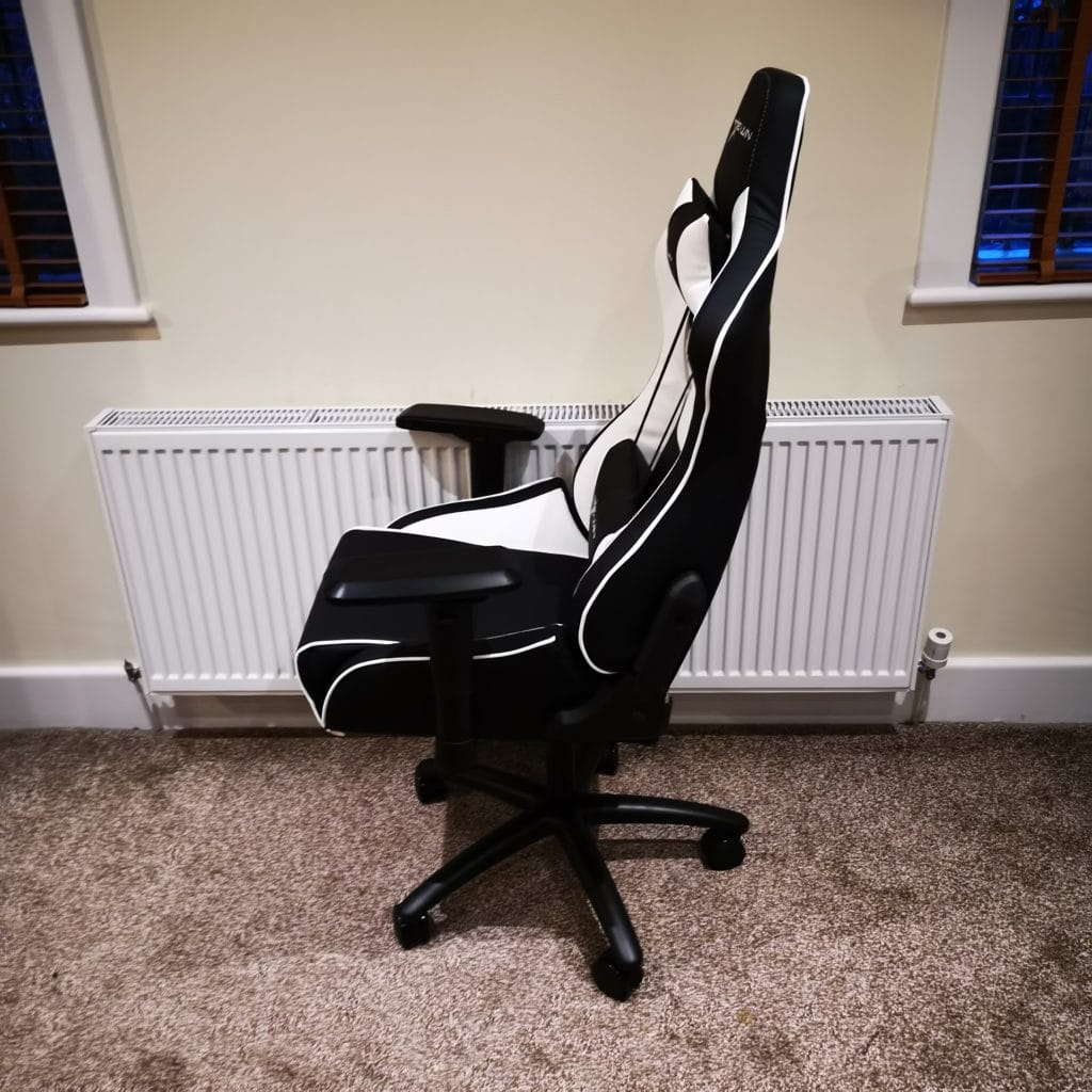 E-Win Racing Flash Gaming Chair Review - A comfortable bucket seat racing chair with a great warranty 5
