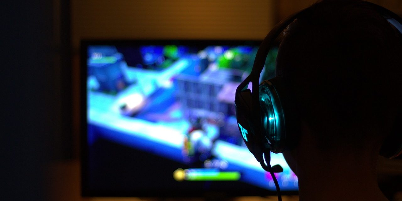 10 Must-Have Gadgets For Gamers