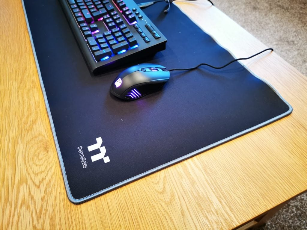 Thermaltake Tt eSPORTS Talon V2 RGB Optical Gaming Mouse y M700 Extended Mousepad Review 4