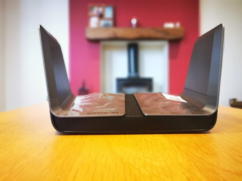Netgear Nighthawk AX8 Dual-band Wi-Fi 6 Router Review – Testing 802.11 ax with the Killer AX1650 module 9