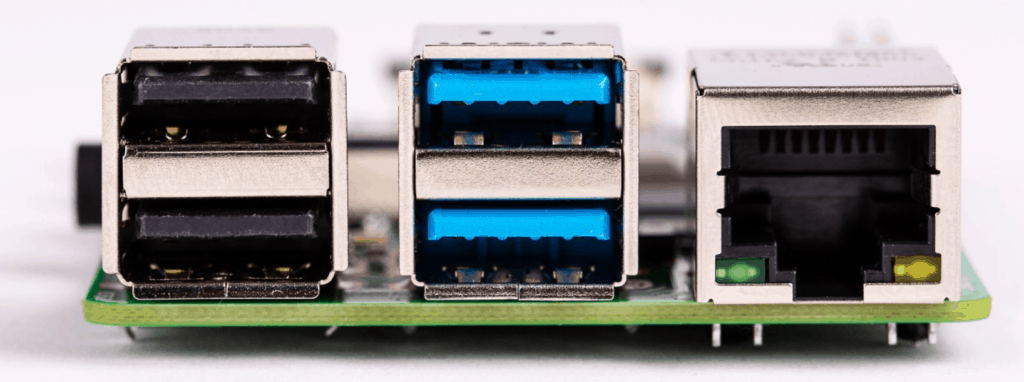 Raspberry Pi 4 Model B vs Raspberry Pi 3 Model B – The perfect budget NAS and media player? 1