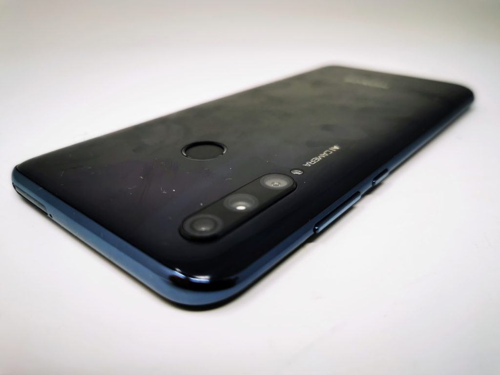 Honor 20 Lite Review - Like the Honor 10 Lite, but better. 4