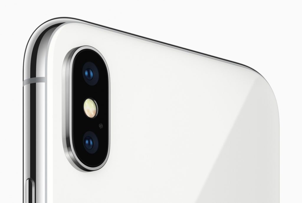 Black Friday Deals - Apple iPhone XR for £549 vs iPhone X for £639 - Which is the best deal? 2
