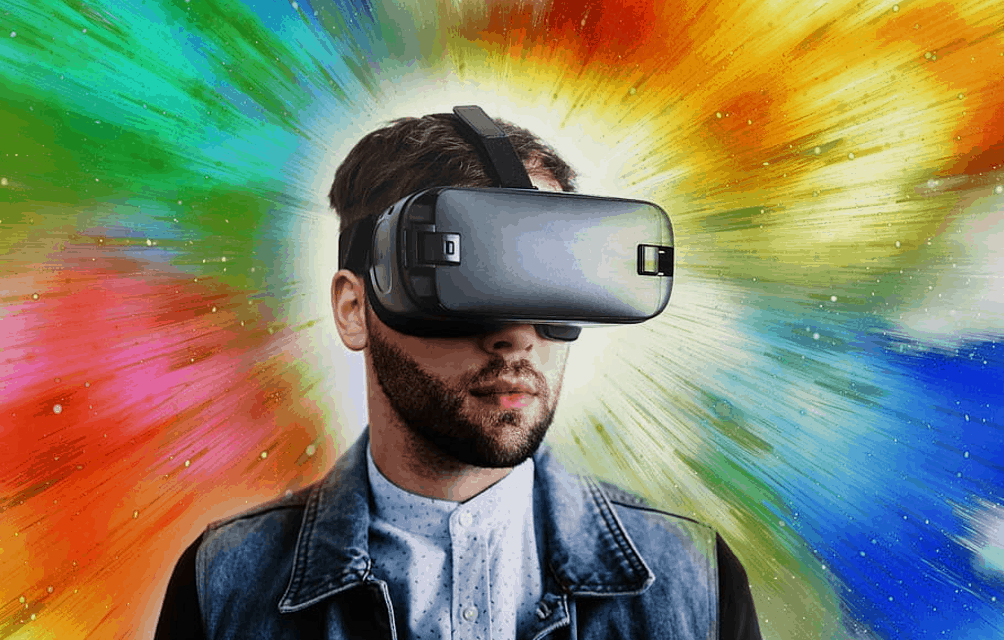 Top 4 Uses for a VR Headset