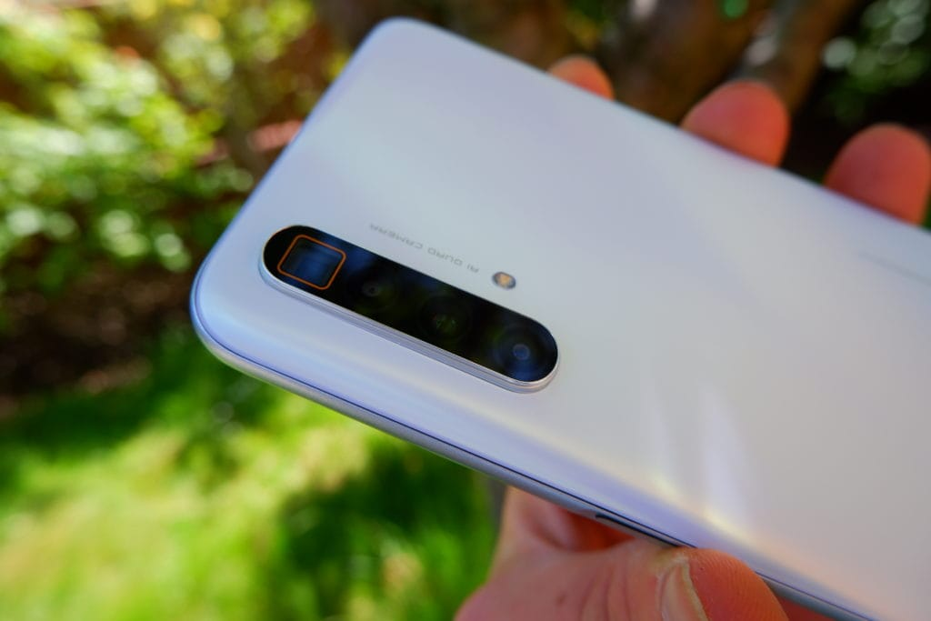 Realme X3 SuperZoom vs Poco F2 Pro / Redmi K30 Pro – Do you want a better camera or better chipset & display? 1