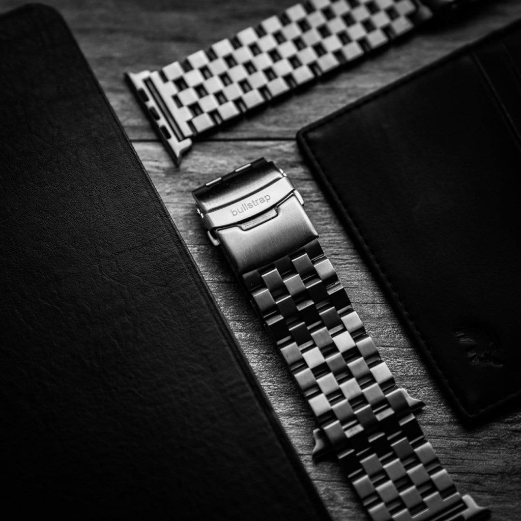 Different Types of Watch Bands: What you Need to Know & will they fit on a smartwatch like Apple or Garmin 5