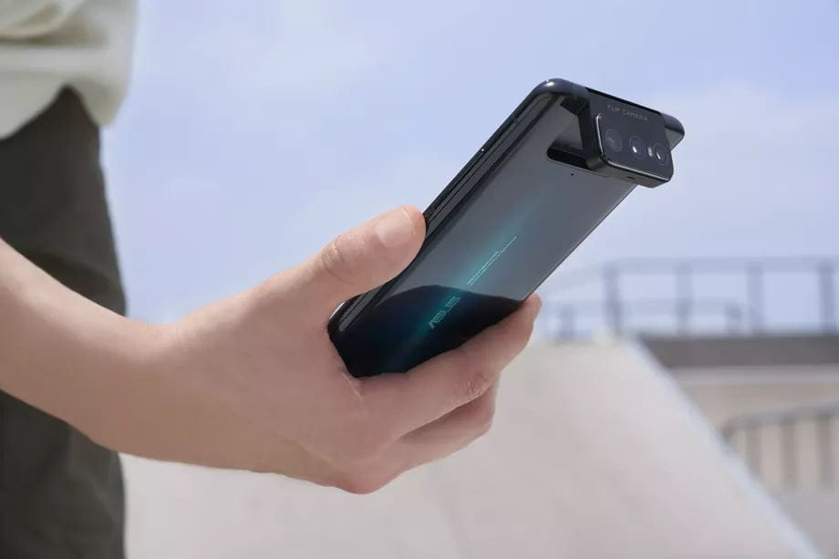 Asus Zenfone 7 & 7 Pro Announced with SD865 (+ for the Pro), 64MP+12MP ultrawide+8MP zoom flip lens & 90Hz OLED display. 9