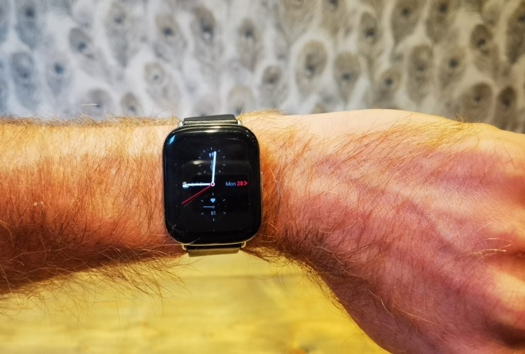 Zepp E Square Watch Review – Less features & more expensive vs Amazfit GTS 10