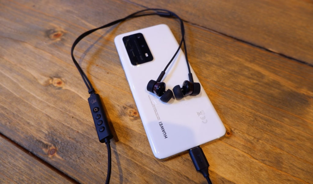 Creative SXFI TRIO In-Ear USB-C Headphones Review – Triple driver earphones with built in DAC for people that hate Bluetooth 1