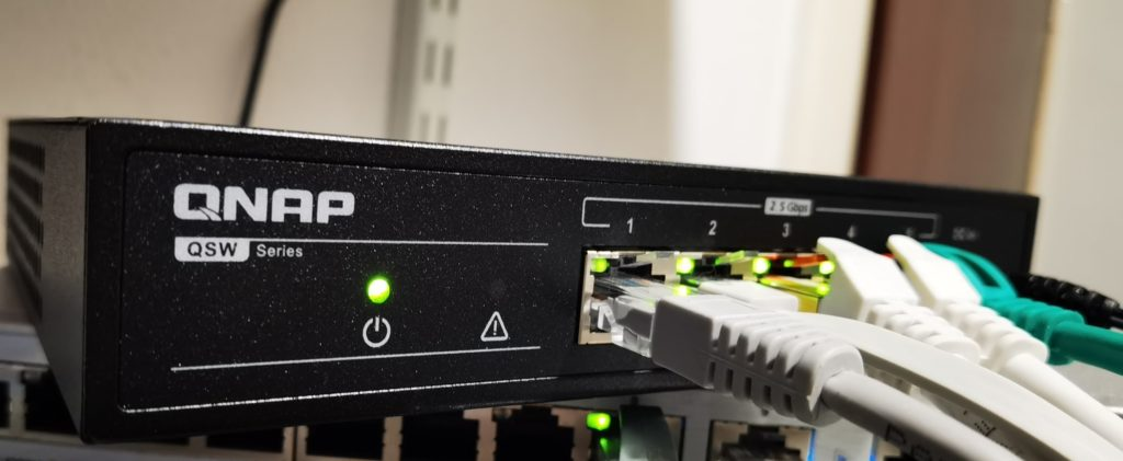 QNAP QSW-1105-5T 5 Port 2.5Gbps Switch Review – The cheapest way to get multi-gig Ethernet right now 2